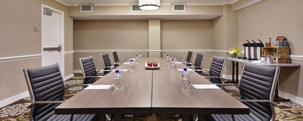 Deenscorproyale board-room